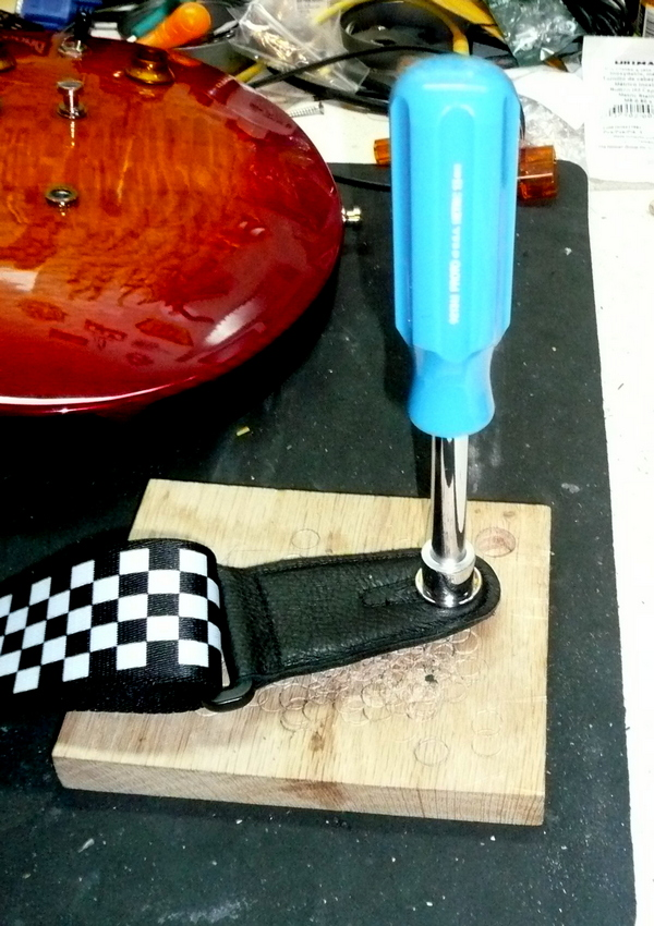 How To Install Schaller Fender Strap Locks The Gear Page